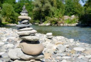 Steine aufeinandergestapelt